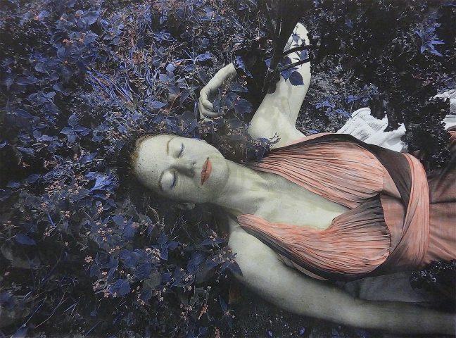 <p><strong>Barefoot Contessa | The Dreamer</strong></p> <p><em>Barefoot Contessa | The Dreamer, oktober/november 2018, met waterverf gekleurde foto, 28,5 x 38,5 cm.</em></p> <p><em>Afgebeeld is Moïra.</em></p>